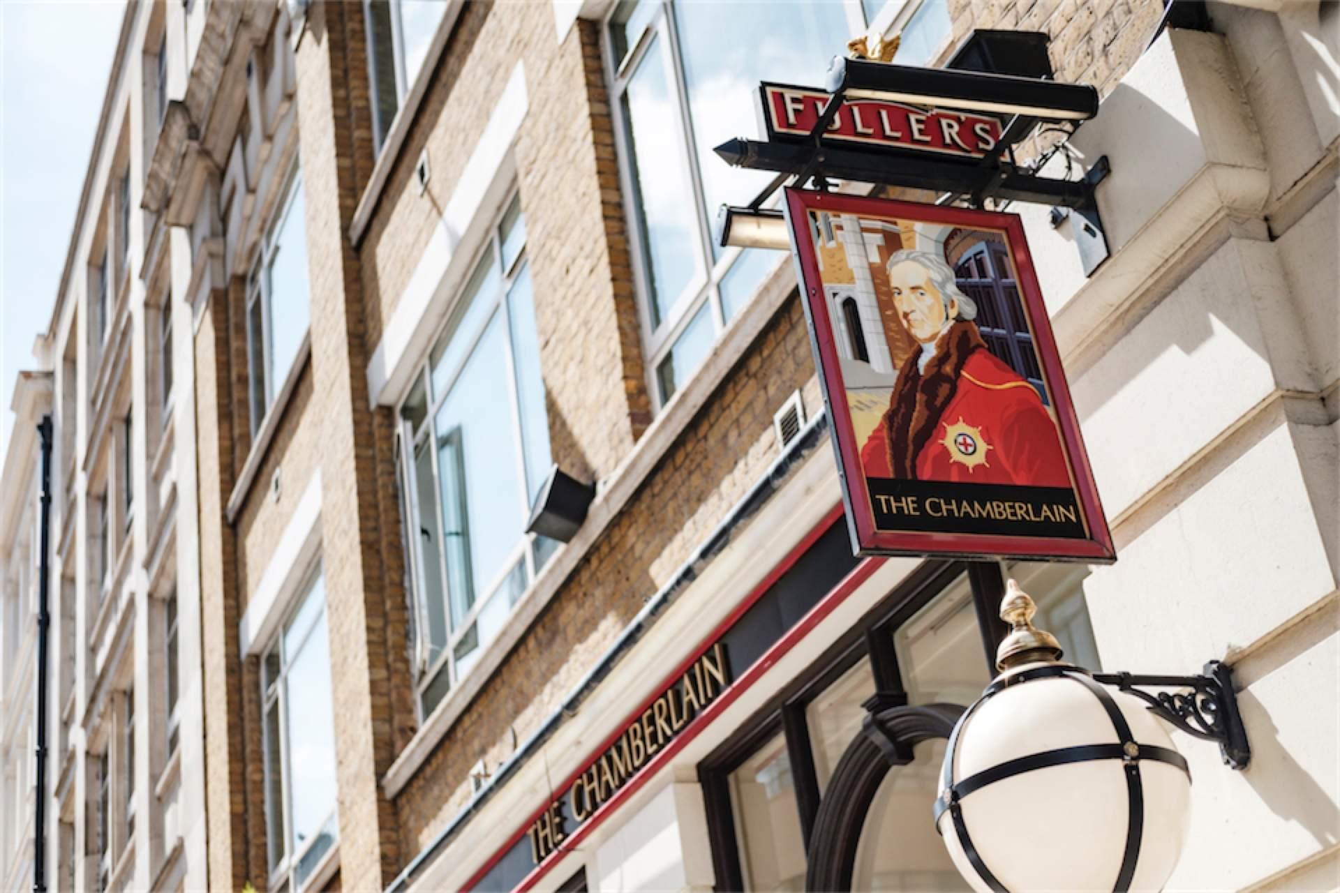 Chamberlain Hotel in London Sign