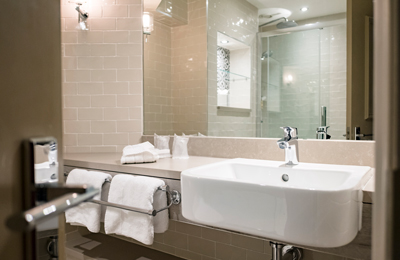 The Chamberlain Hotel Tower Hill London - ensuite bathroom